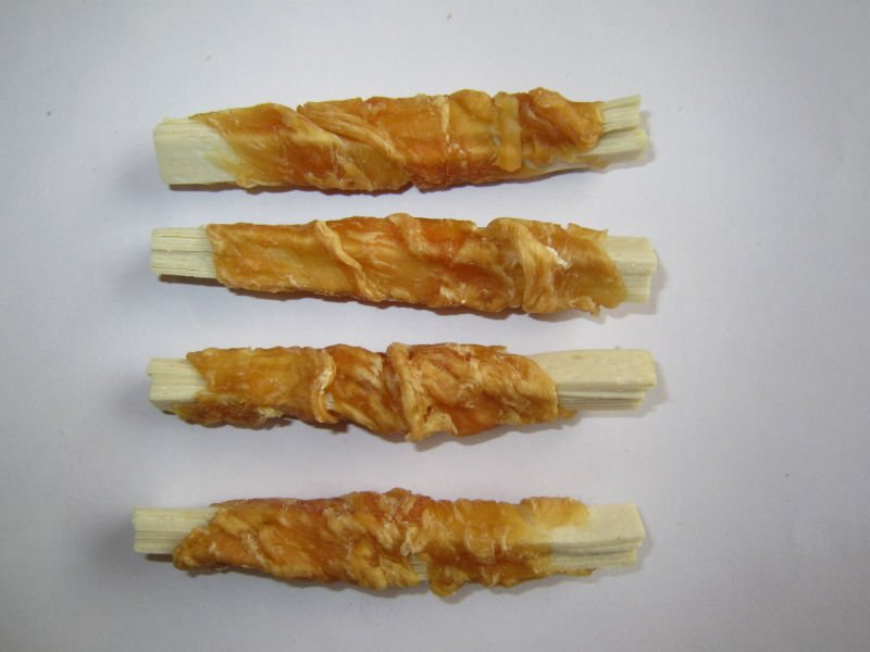 dried chicken rolled cod pet food
