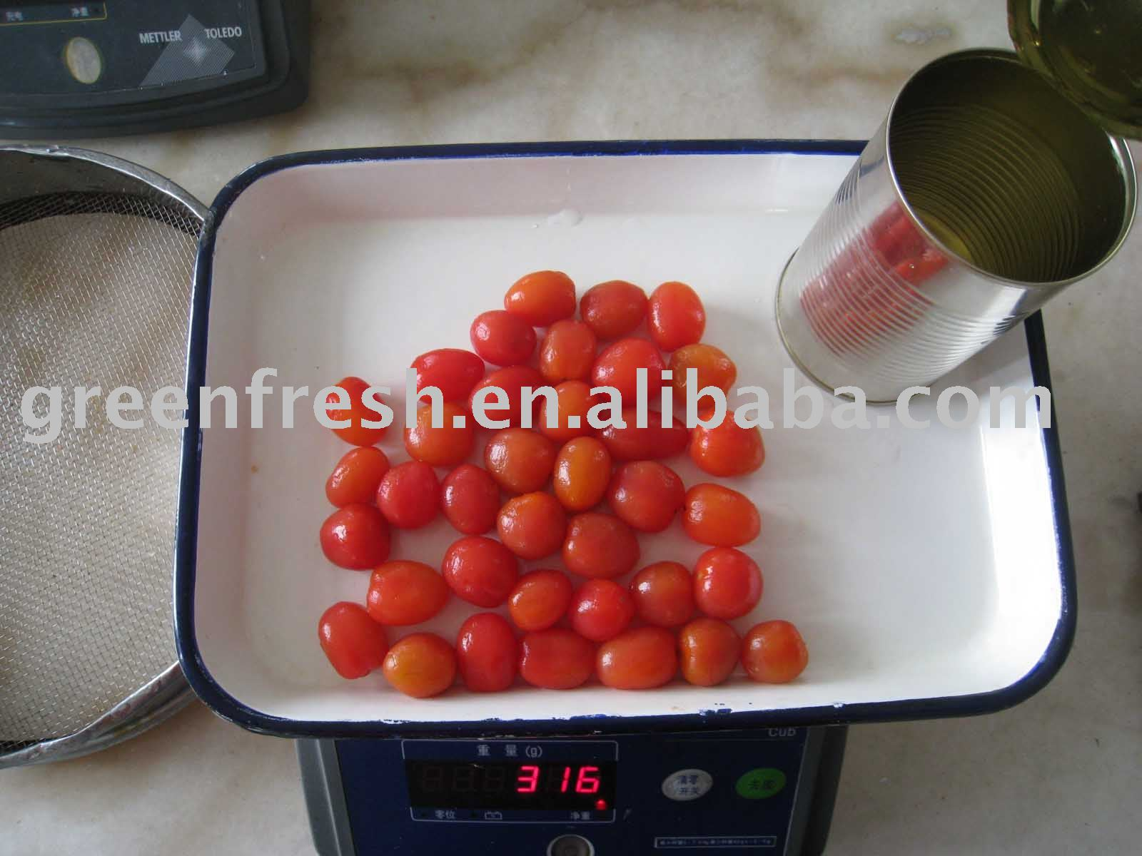 Canned Peeled Tomato in brine