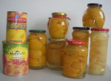 Canned Yellow Peach halves in Jars