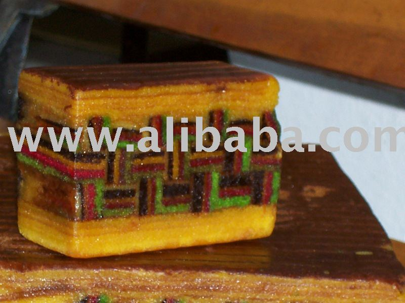 SARAWAK LAYER CAKE OR CAKES (KEK LAPIS SARAWAK) - TIKAR MENGKUANG