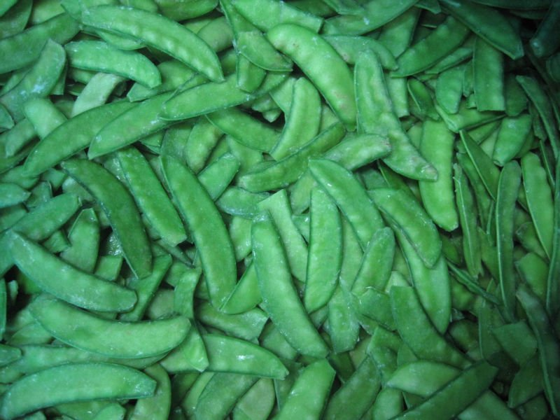 Frozen green pea pods