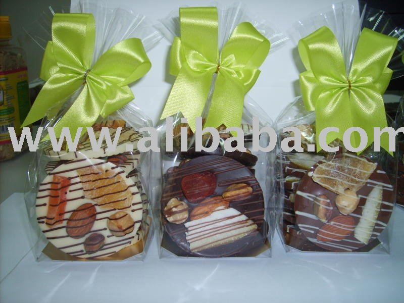Chocolate Mendiant with Fruits and Nuts