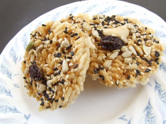 how to make rice crackers at home