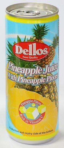 Pineapple juice with pineapple pieces