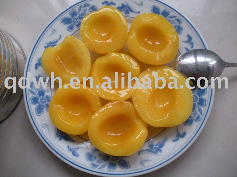 Canned yellow peaches halves in light syrup