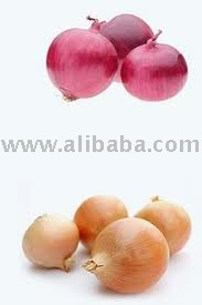 yellow onion and red onion