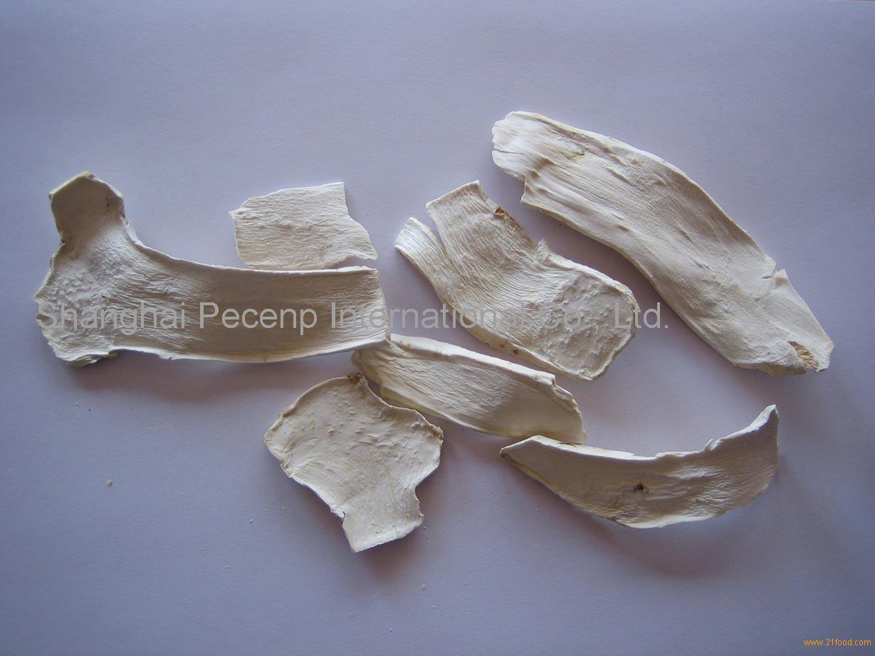 Dried horseradish flake