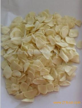 2013 crop China spice factory supply dehydrated/dried garlic flakes spice