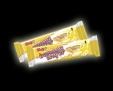 WAFER YOLLI WITH CREAM BANANA AND MILK COATING