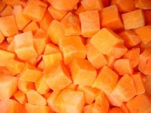 sell frozen carrot dices in high quality(iqf carrot dices)