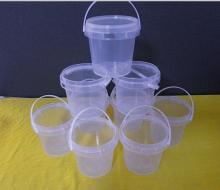 clear plastic bucket