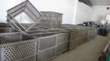 Sterilization cage for tin/iron cans