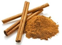 Dried Cinnamon sticks and cinnamon powder