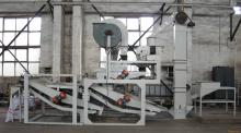 Oats hulling and sorting machine