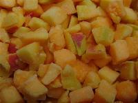 Замороженные  абрикосы  кубиками